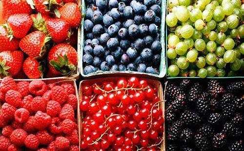 різні ягоди