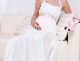 Вагітна наречена - як підготується до весілля?