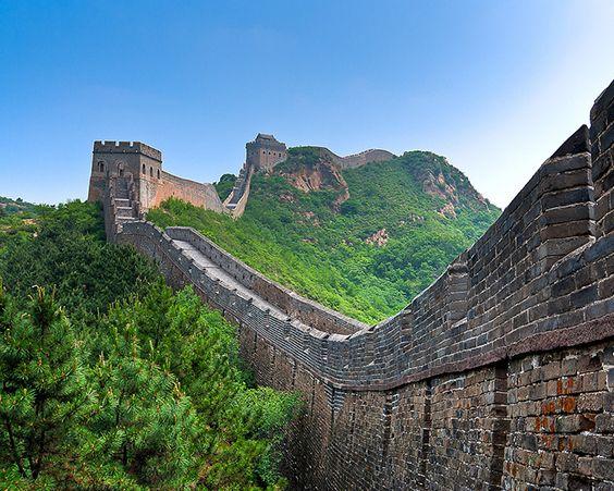 Велика Китайська Стіна - наймасштабніший інженерний проект