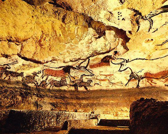 Малюнки в печері Ласко