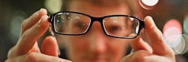 Що краще: лінзи або окуляри?