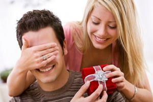 Що подарувати чоловікові на 14 лютого