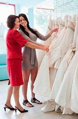 Вибираємо весільну сукню