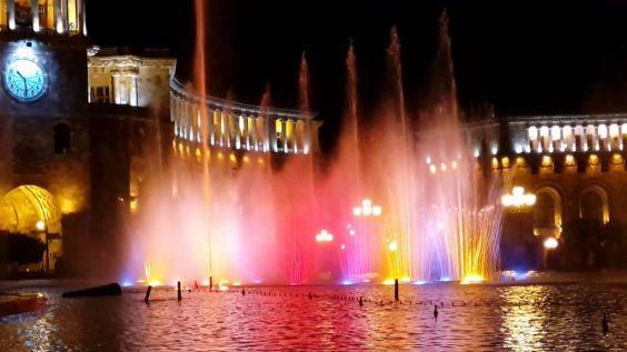 Співаючі фонтани Єревана