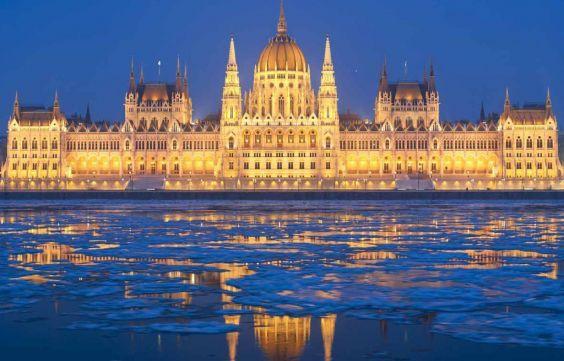 Будівля угорського парламенту