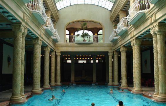 Розкішні купальні Геллерт