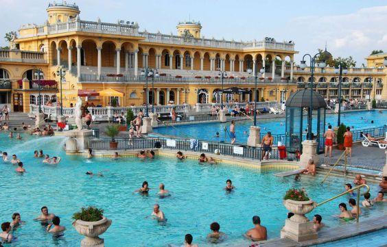 Красива купальня Сечені