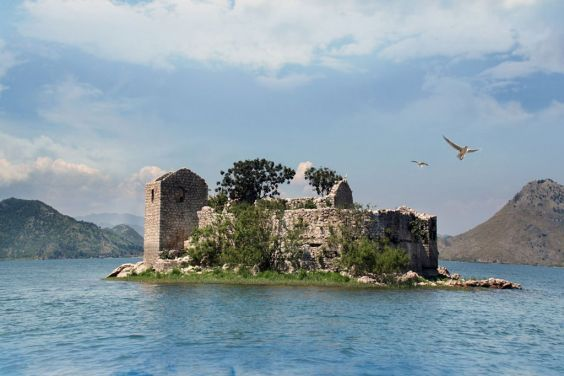 Мальовниче Скадарське озеро