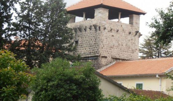 Палац Буча в центрі Тівата