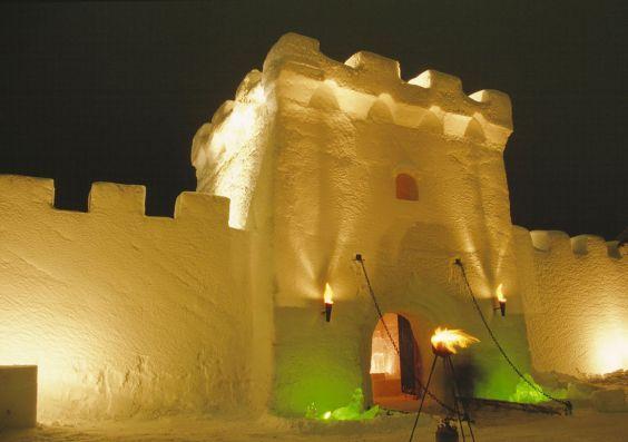 Сніговий замок в Кемі