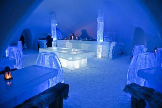 Сніговий замок в Кемі всередині