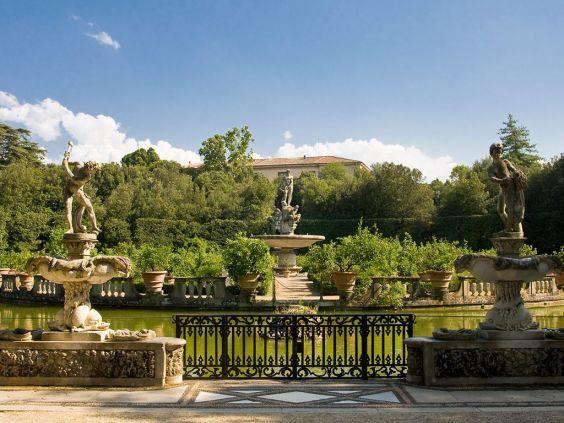 Мальовничі сади Боболі. статуї