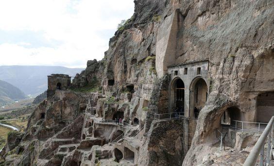 Стародавнє місто Вардзия
