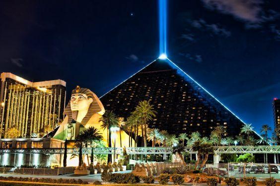 Готель «Luxor Resort & amp; Casino »