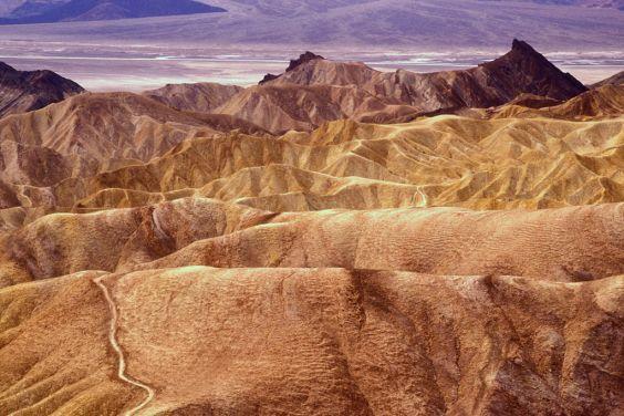 Долина смерті - в 2,5 годинах їзди від міста