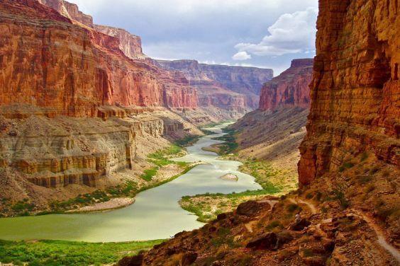Великий каньйон знаходиться поблизу Лас-Вегаса