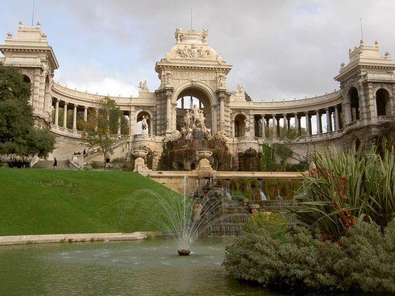 Розкішний палац Лоншан
