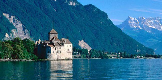 Швейцарія: озера, гори і замки