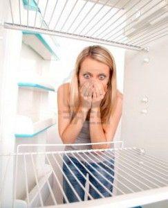 Як позбутися неприємного запаху в холодильнику