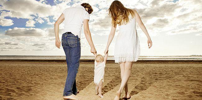 Як допомогти дитині почати ходити - поради батькам