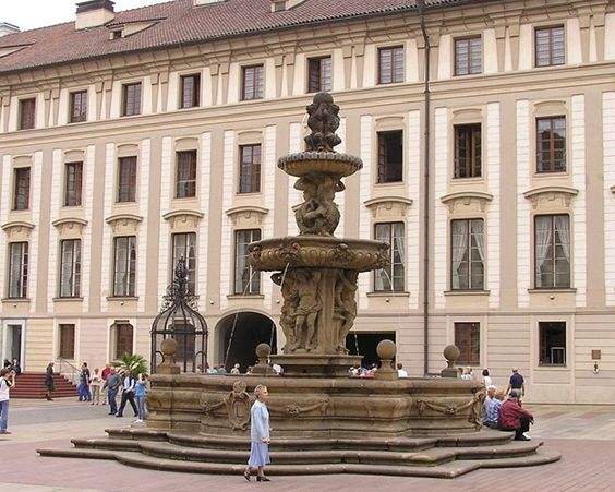 Чудовий Леопольдов фонтан