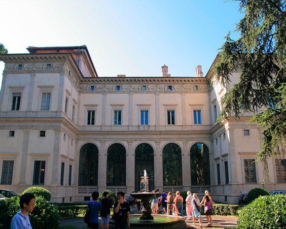 Вілла Фарнезина в Римі