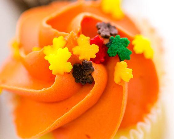 Апельсинові капкейкі з ніжним заварним кремом