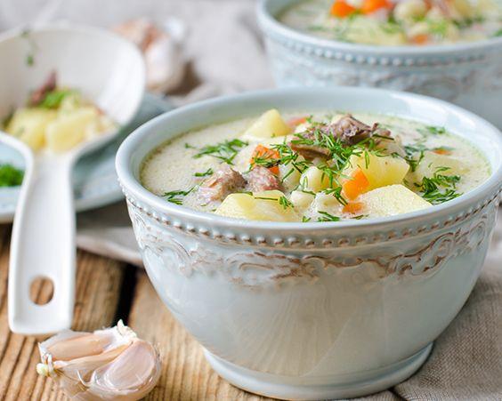 Англійська курячий суп з грибами, сиром і рисом